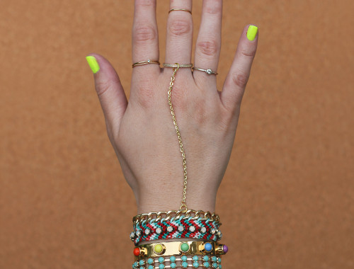 diy-friendship-bracelet-hand-charm-sq