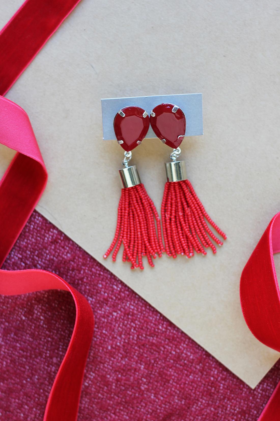 beaded-tassel-earrings-diy-4