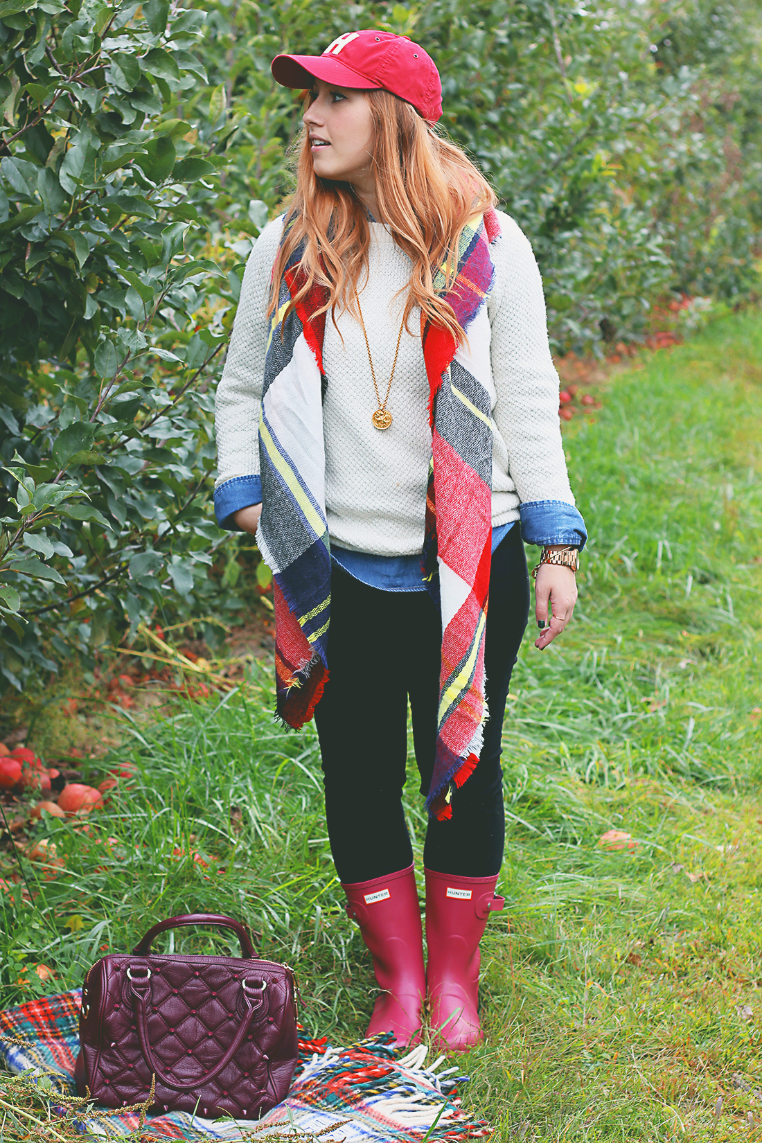 apple-picking-how-to-style-hunter-boots-8