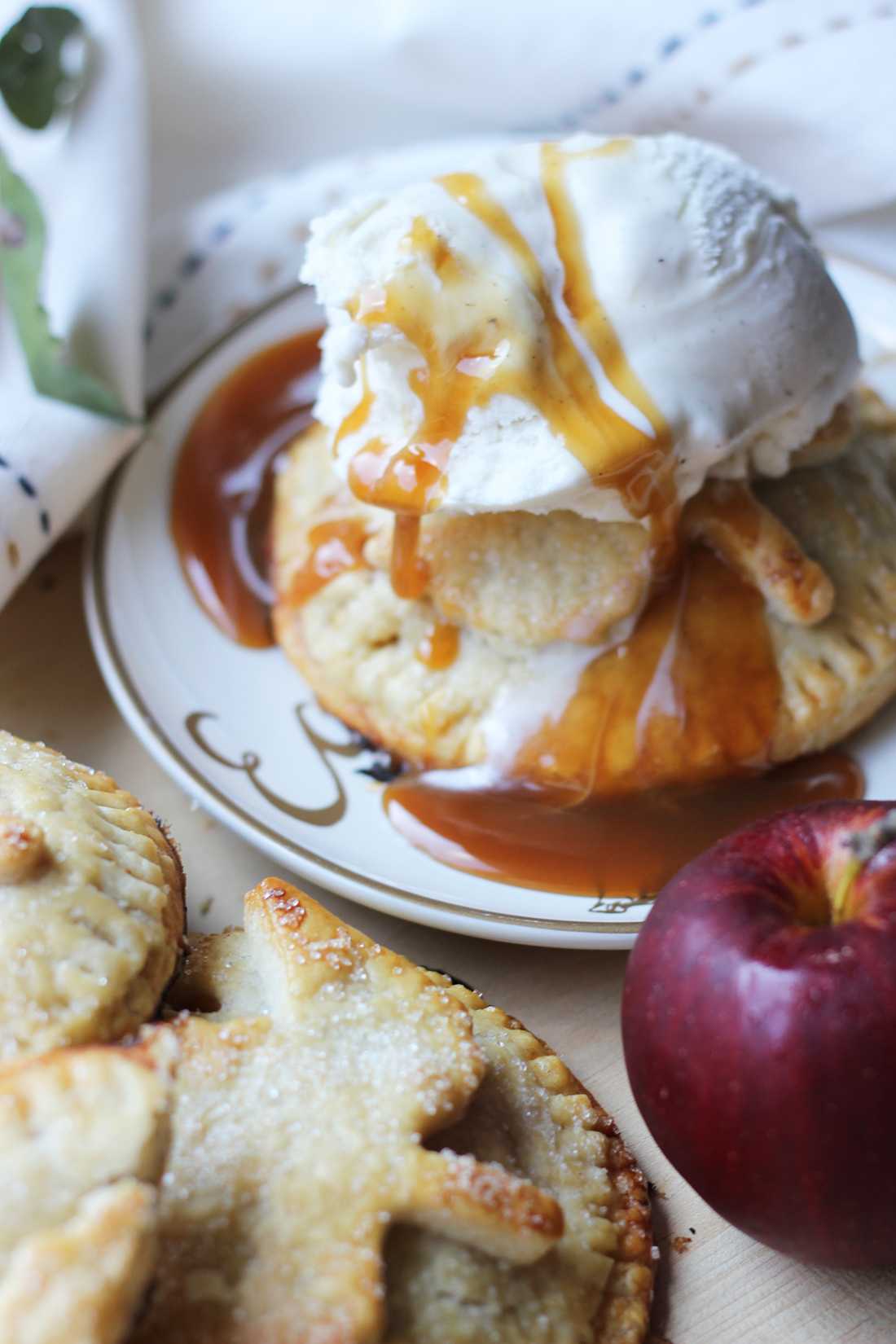 caramel-apple-hand-pies-1