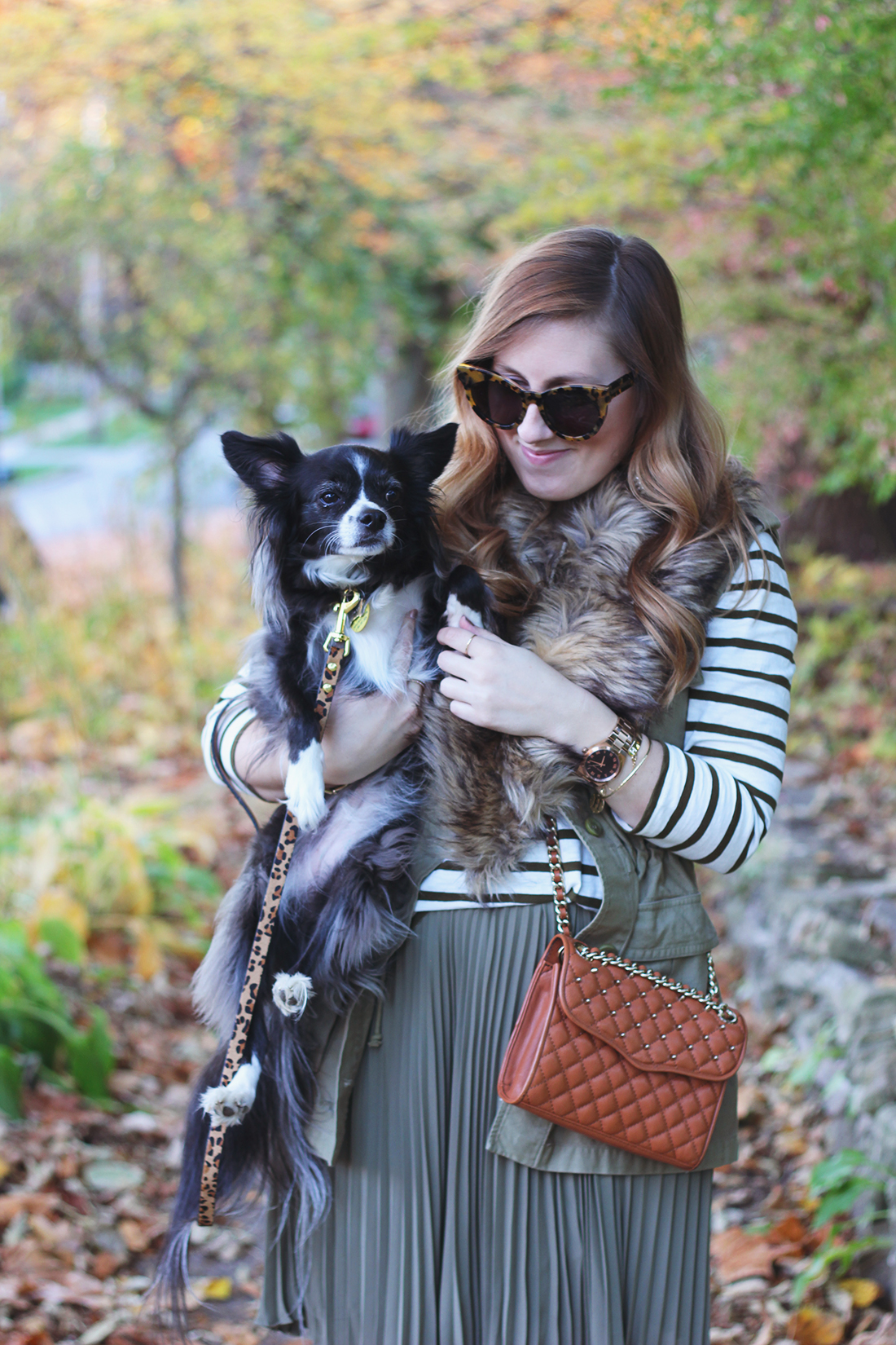 pleated-skirt-striped-shirt-faux-fur-stole-1