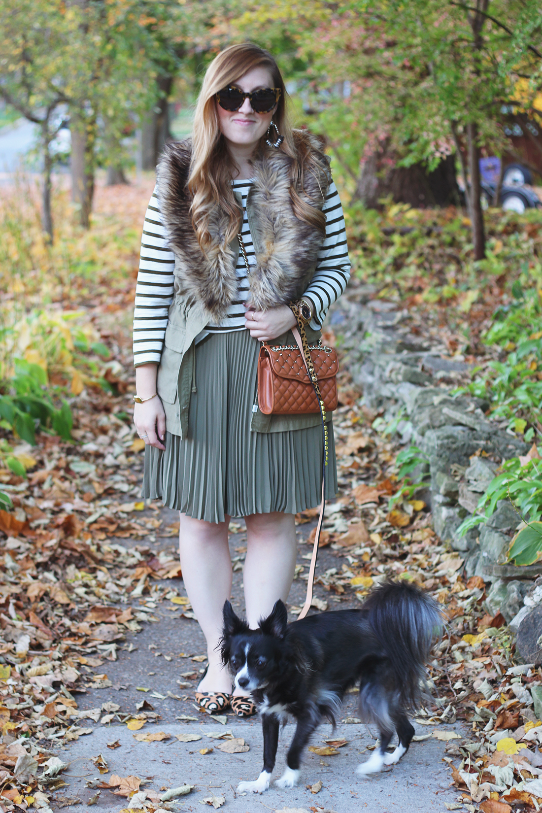 pleated-skirt-striped-shirt-faux-fur-stole-2