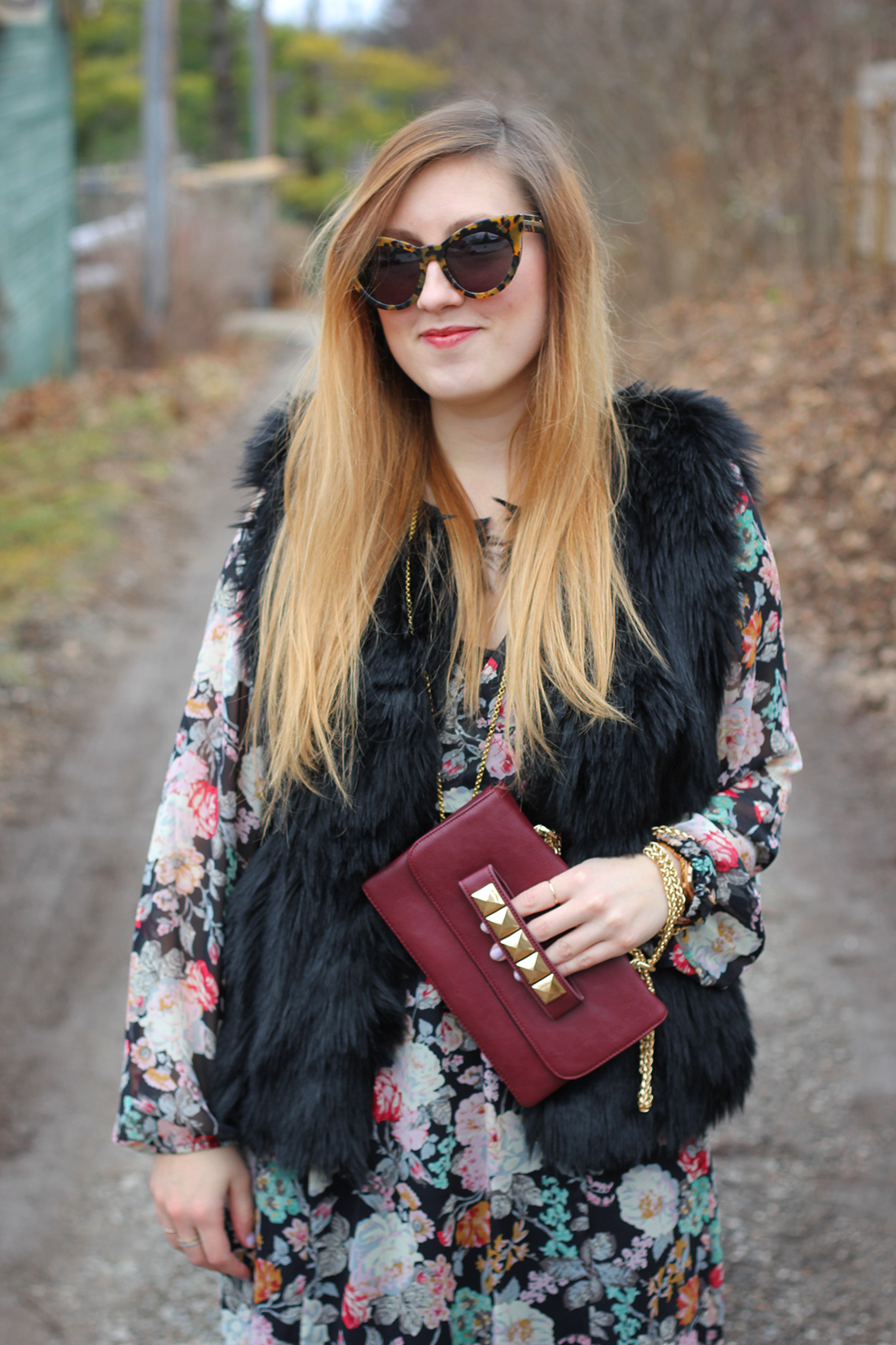faux-fur-vest-floral-maxi-dress-otk-boots-4