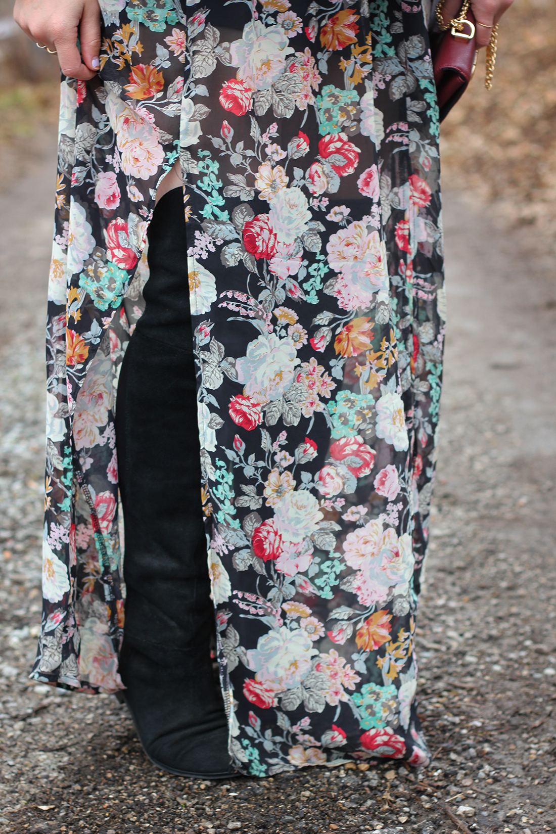 faux-fur-vest-floral-maxi-dress-otk-boots-9
