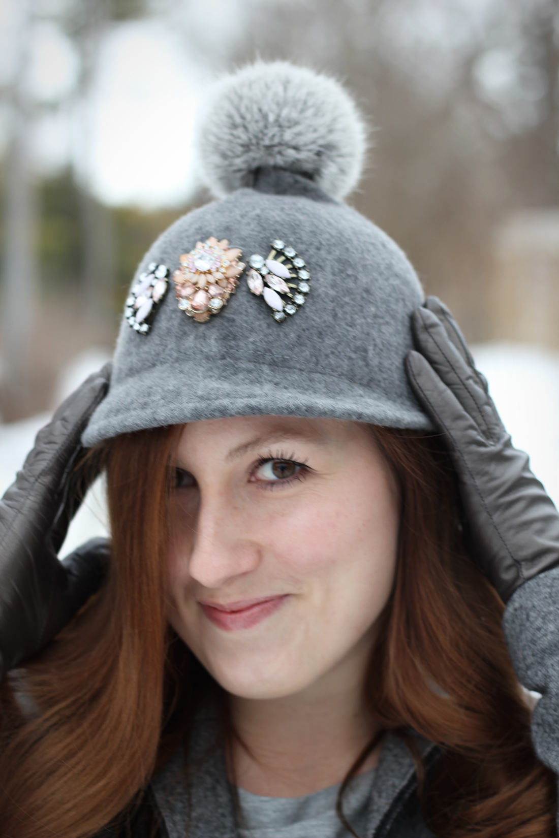 gray-outfit-diy-pompom-baseball-hat-4