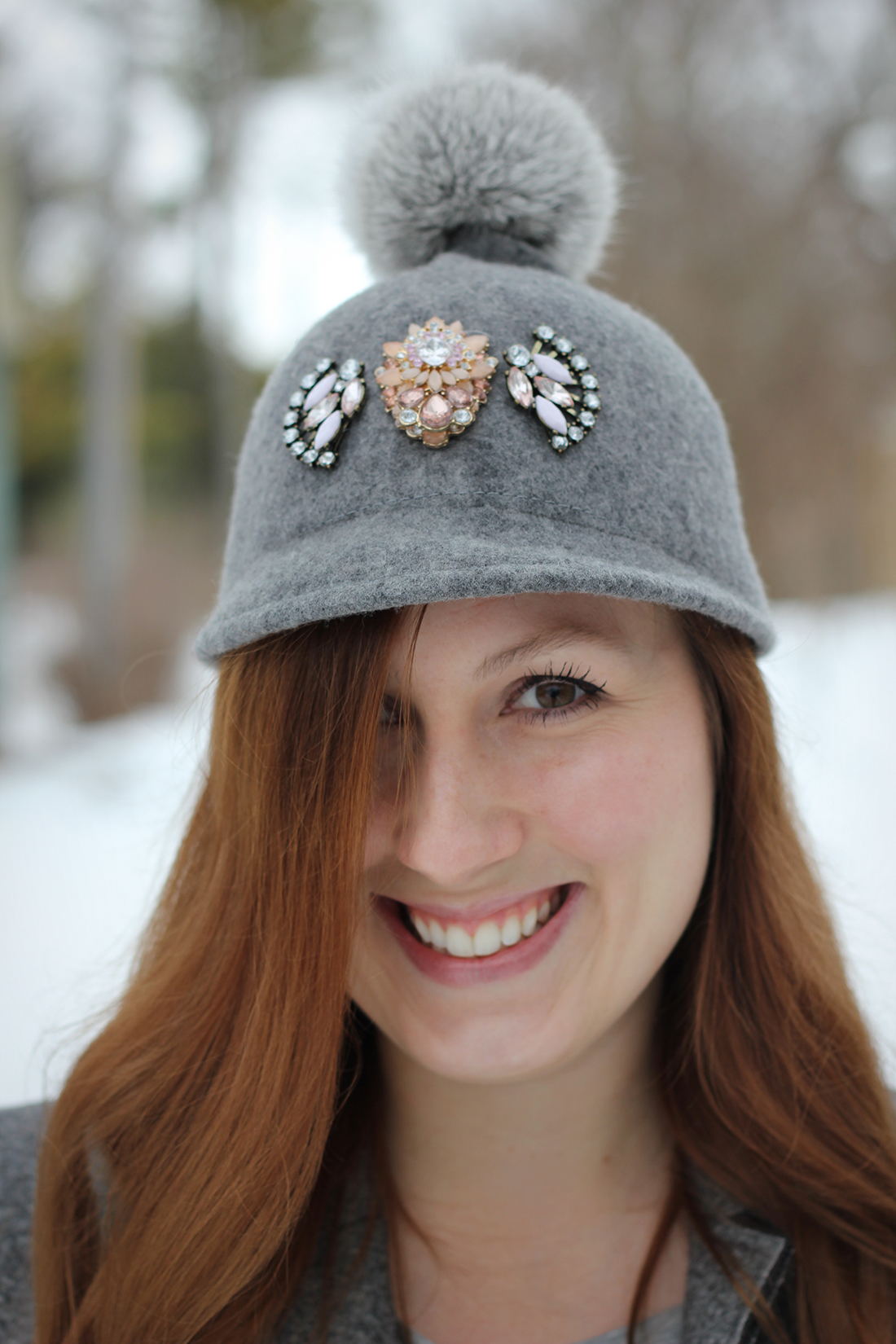 gray-outfit-diy-pompom-baseball-hat-5