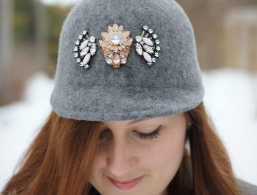 gray-outfit-diy-pompom-baseball-hat-7