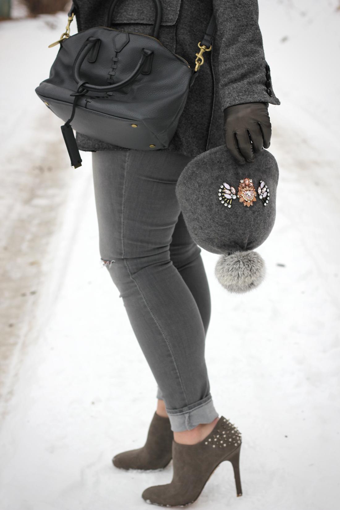 gray-outfit-diy-pompom-baseball-hat-8