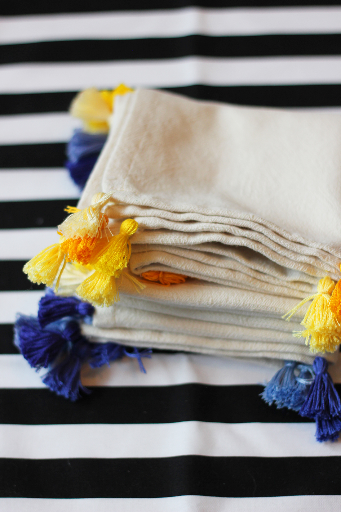 diy-tassel-napkins-9