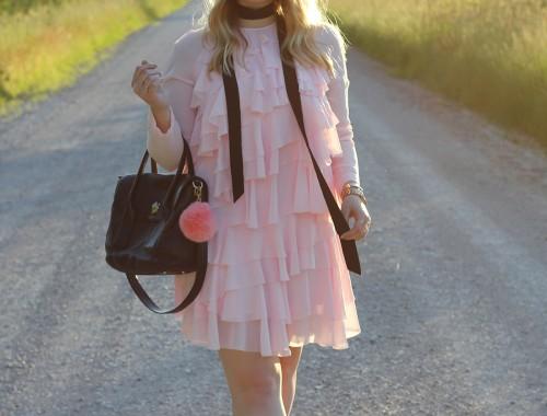 pink-ruffle-dress-skinny-scarf-1