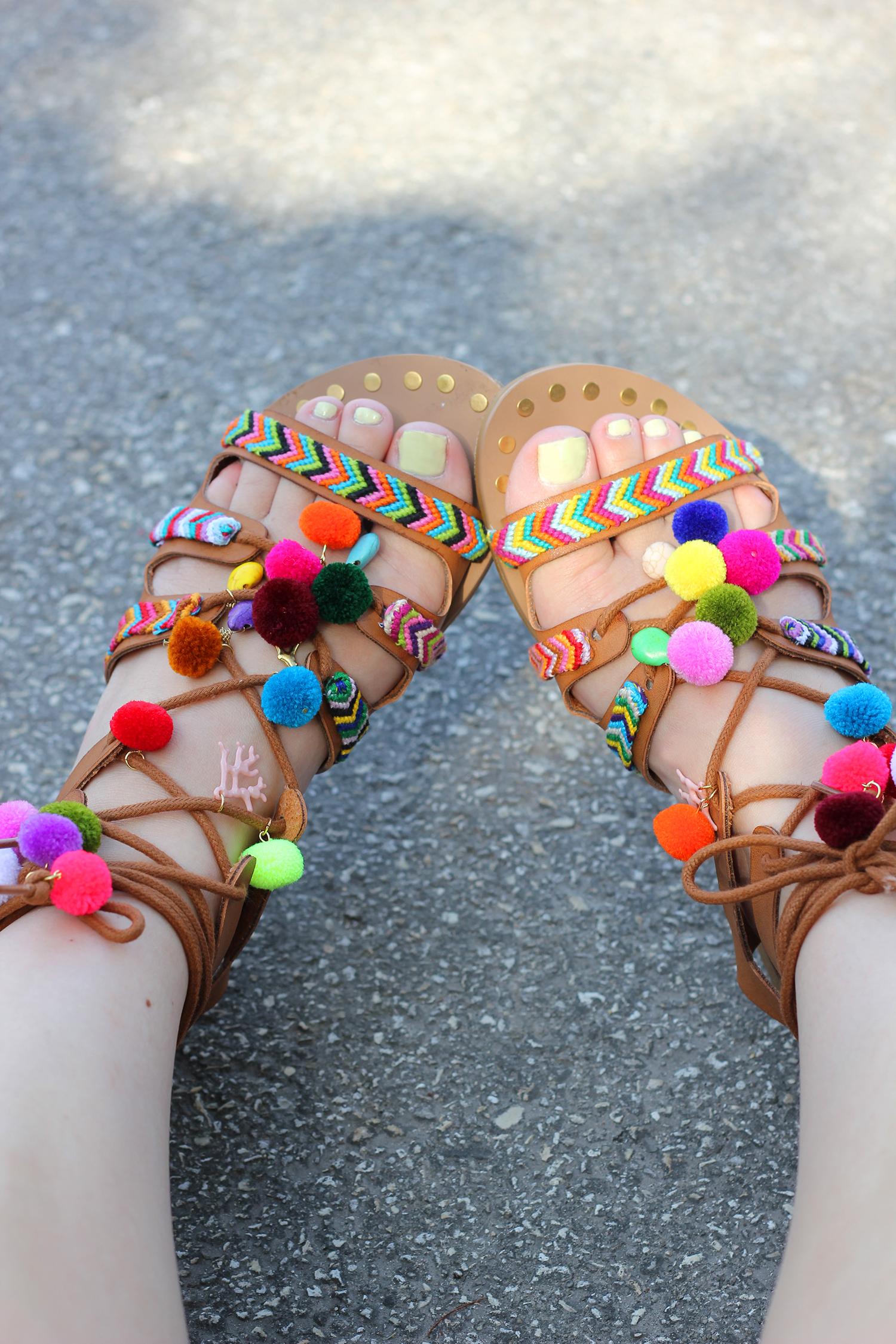 diy-pom-pom-sandals-3