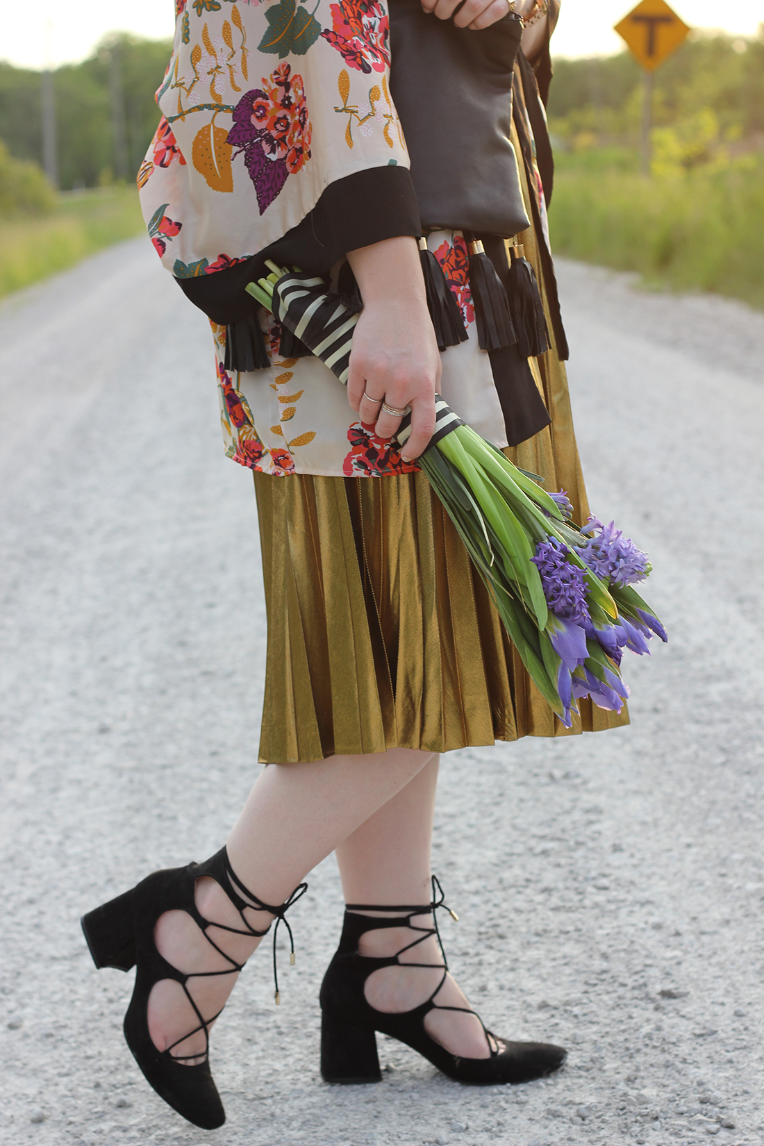 floral-kimono-gold-pleated-skirt-2