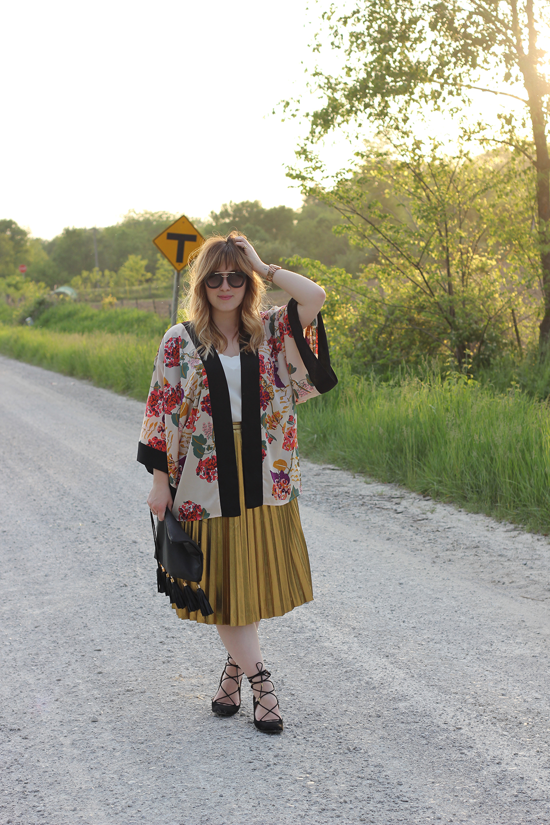 floral-kimono-gold-pleated-skirt-7