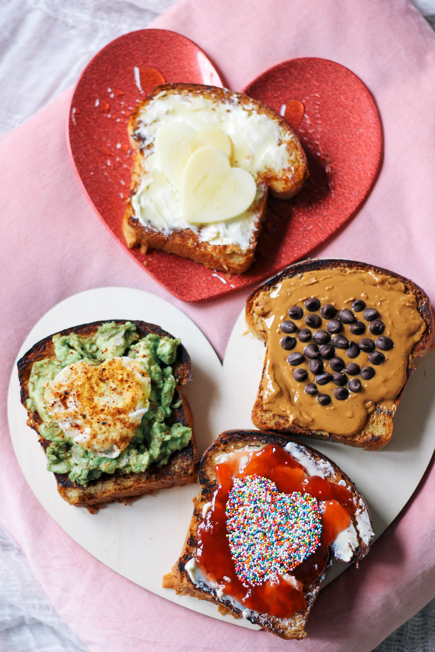 valentines-day-toast-breakfast-in-bed-3-3