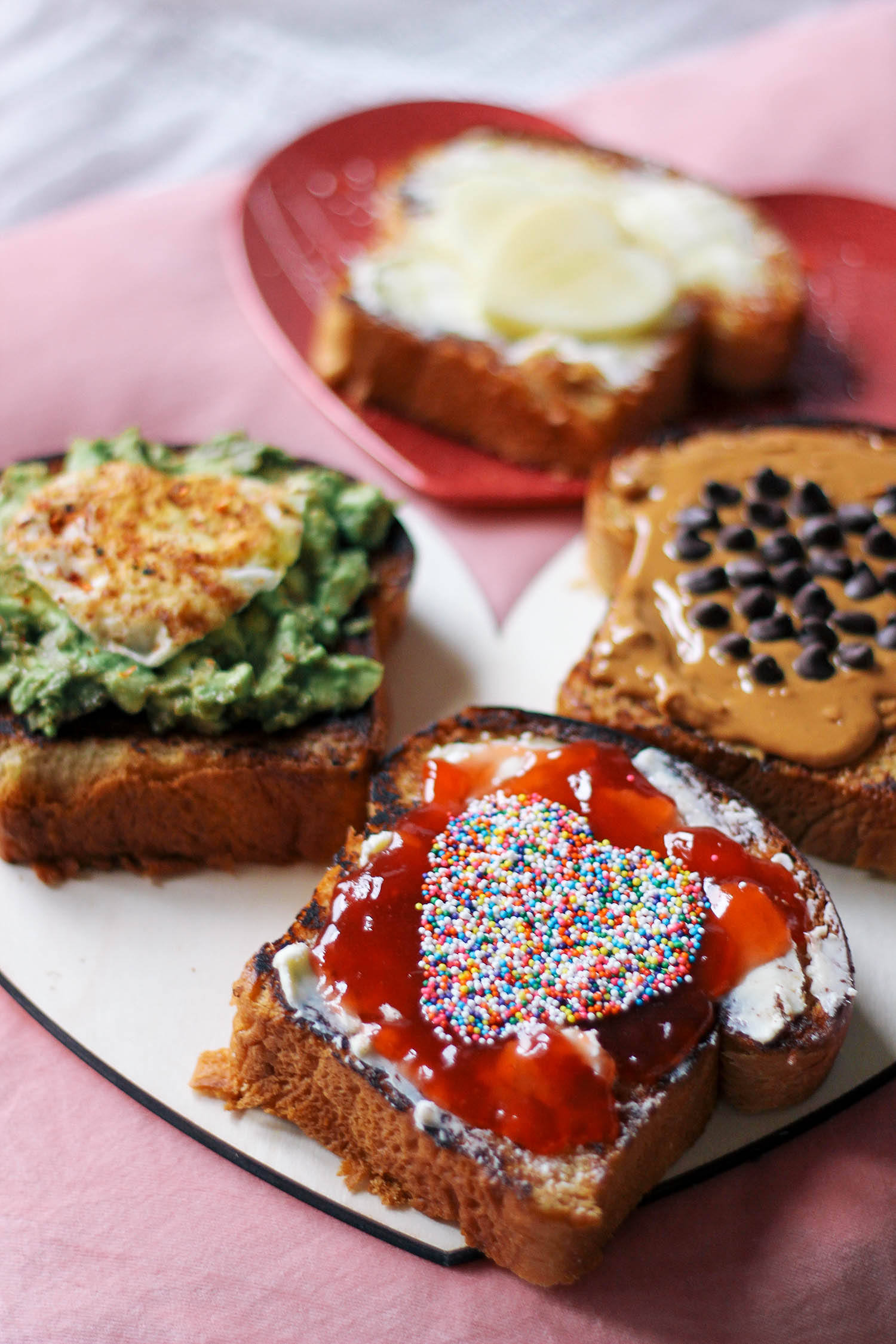 valentines-day-toast-breakfast-in-bed-4-3