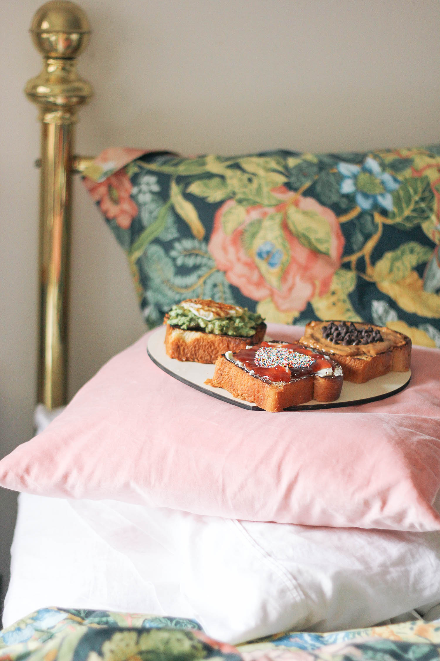 valentines-day-toast-breakfast-in-bed-5-3