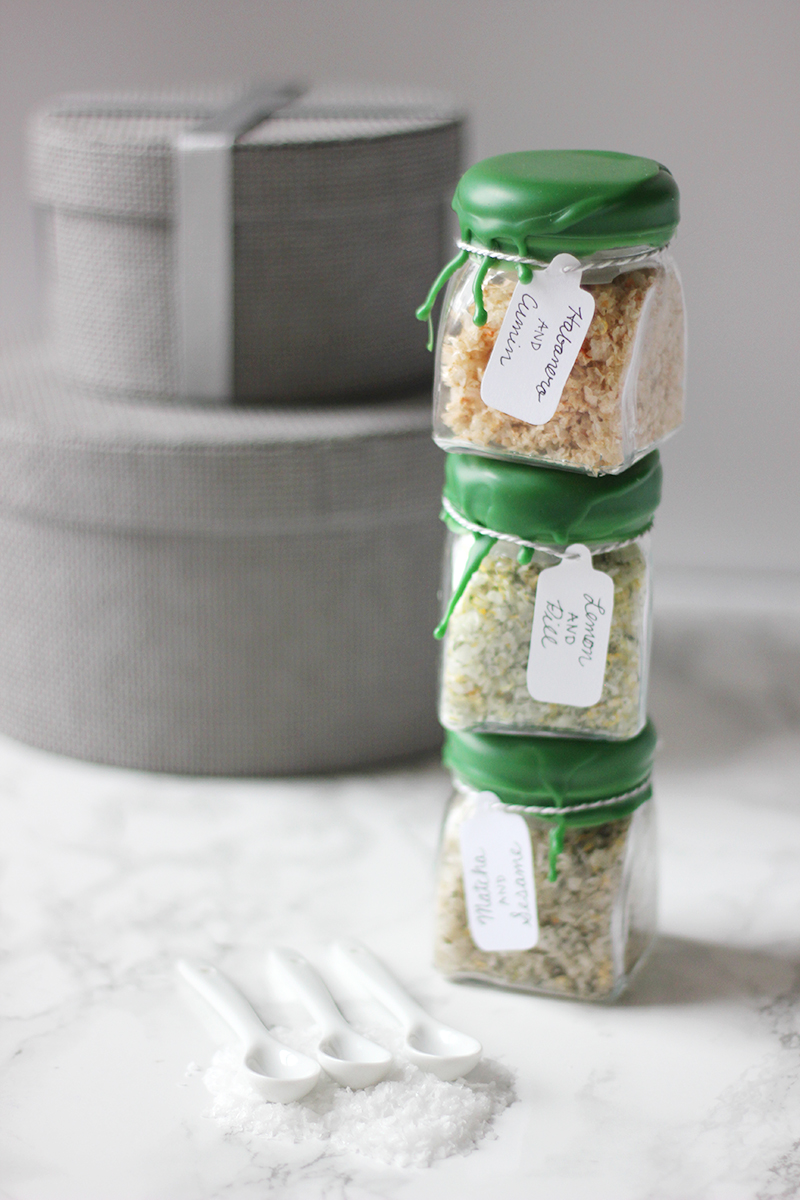 Treat your holiday hosts to these wax-dipped infused salts. Get the DIY at HomemadeBanana.com